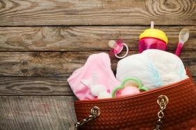 10 Essential Diaper Bag Items You Should Never Forget