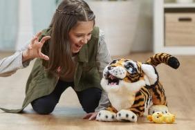 Top 20 Christmas Toys of 2017 - FurReal Roarin Tyler in Dubai