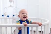 هل تؤدي حلاقة شعر الأطفال إلى نموه أكثر كثافة؟