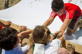 WIN tickets for du Mini Mudder with EWmums x Lifebuoy