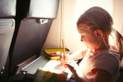 Ways to entertain a child on a plane