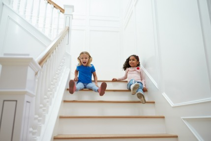 How to handle falls with children