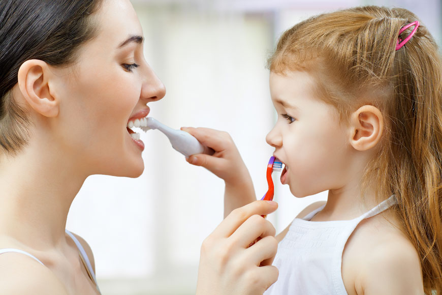 7 Tips To End The Struggles Of Brushing Children's Teeth